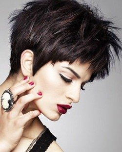 trendy-pixie-cut-with-spiky-top