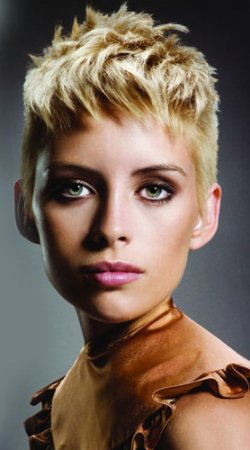 short-coppy-spikey-hair-style-ladies-cut-2014