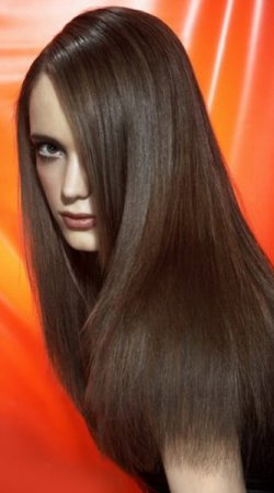 sleek-poker-hair-style-ladies-2014-trends
